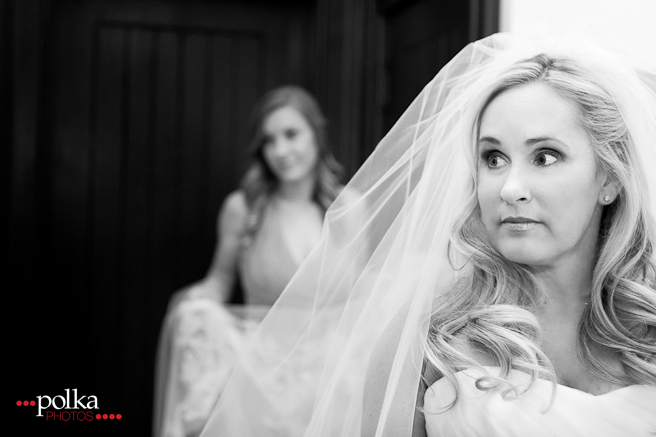 Orange County wedding, Orange County wedding photographer, bride, classic bride, black & white wedding, black & white wedding photography, church wedding, getting ready, veil, classic wedding photographer